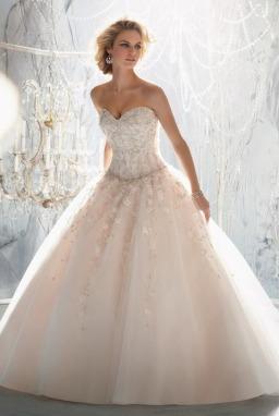 232664f791087 إليك اشهر مصممين ازياء فساتين الزفاف في العالم