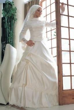 0698647ad اختاري فستان عروس محجبة من اشهر بيوت الازياء العالمية ليوم زفافك   نواعم