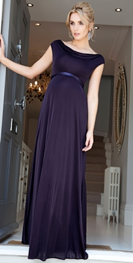 3a2a7acbace52 تظهر كل عام مجموعات كبيرة من تصاميم الفساتين، ومنها بالطبع فساتين الحوامل،  التي تتمتع بالأناقة والراحة لجسم الحامل، ونواعم ستقدم لكِ هنا مجموعة من  فساتين ...