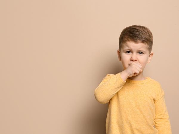 علاج الكحة عند الأطفال نواعم