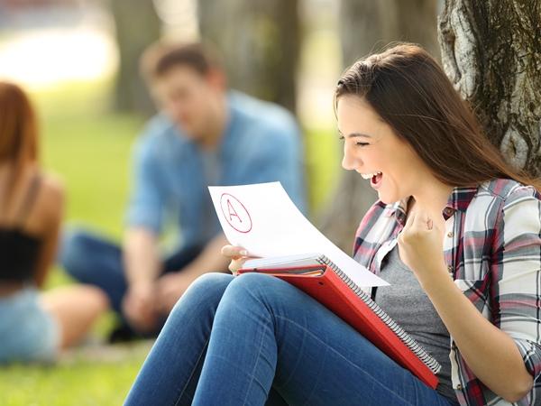ورقة الامتحان في المنام للعزباء نواعم