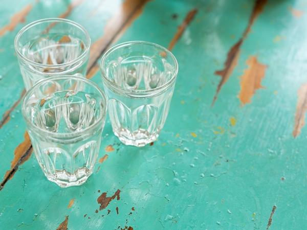 شرب الماء في المنام للعزباء نواعم