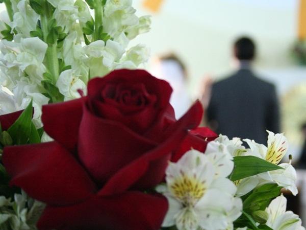 عبارات الف مبروك الزواج