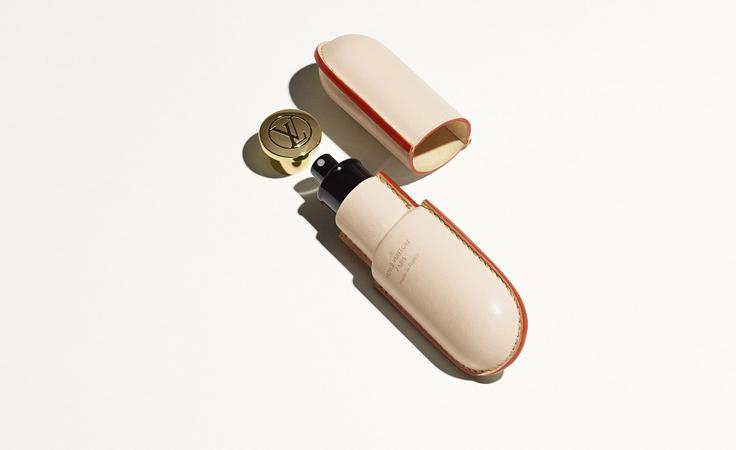 الجلد الفاخر، سرّ أناقة تصاميم لويس فويتون من حقائب اليد والسفر إلى العطور