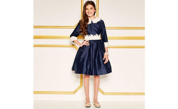 لماذا لا تختارين الأزياء الملكية لأطفالك؟