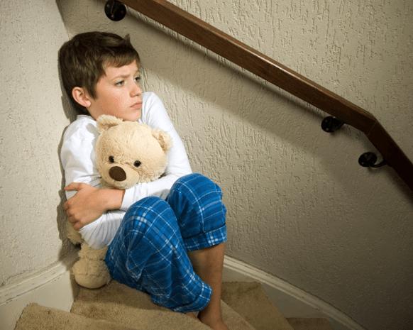العنف ضد الأطفال.. سلسلة من القصص المفجعة