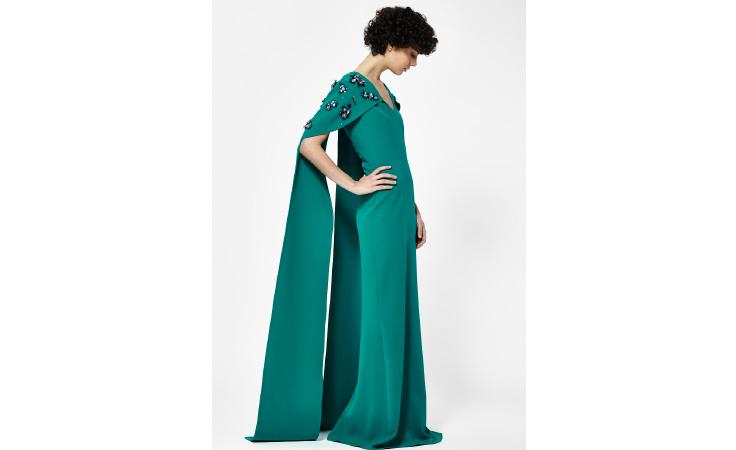 أناقة لا حدود لها مع تشكيلة أزياء السهرة من بلومينغدايلز