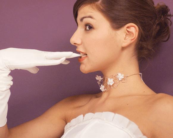 قفازات العروس: كيف تختارينها طبقاً للموضة العرائسية؟
