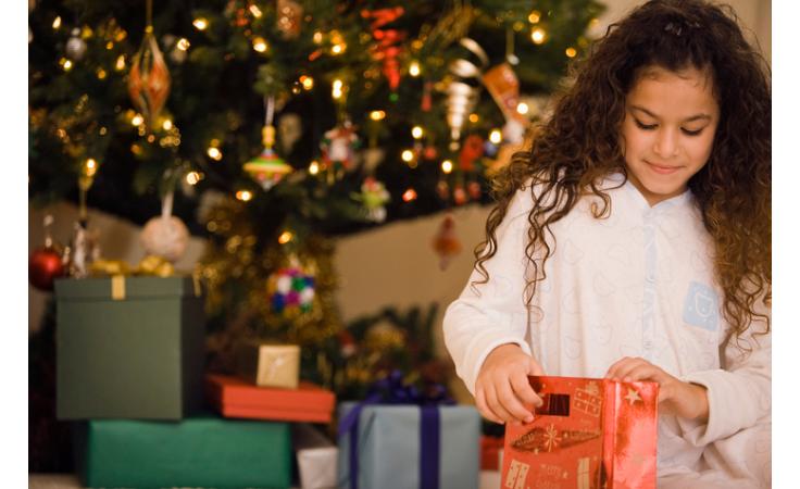 هدايا العيد... احذري ابتزاز أطفالك أو إفسادهم