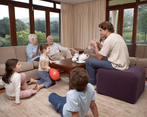 هل يتصرّف أطفالك كما يجب في منازل الآخرين؟
