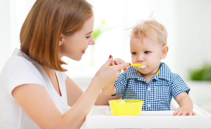 نصائح مهمّة للحفاظ على صحّة طفلك وطعامه خلال الزكام