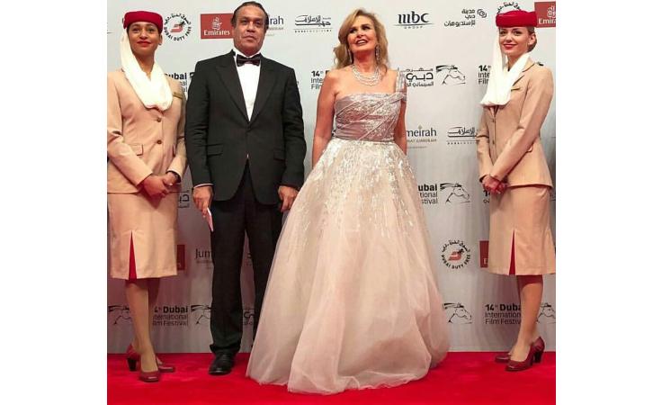 شاهدي إطلالات النجمات في حفل افتتاح مهرجان دبي السينمائي