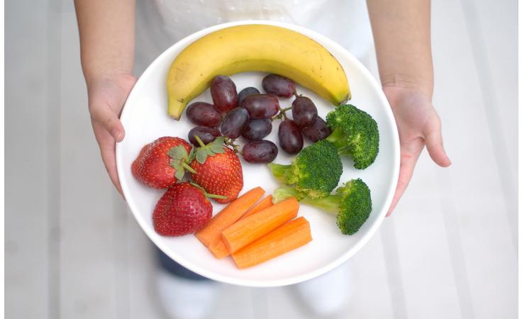 دليلك الشامل لغذاء أطفالك الصحّي والسليم