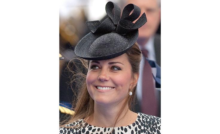 3fb845f3ff8f3 هذه هي أجمل قبّعات كيت ميدلتون عبر السنين!