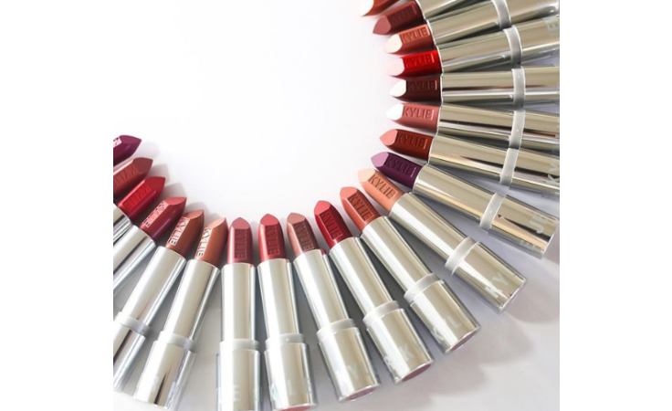 Kylie Cosmetics تتوسّع... 20 أحمر شفاه الأسبوع المقبل!
