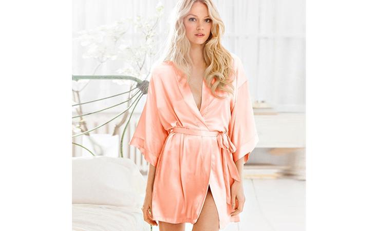 62db498c67fa6 هذه هي ملابس النوم التي يتمنّى زوجك أن ترتديها له!