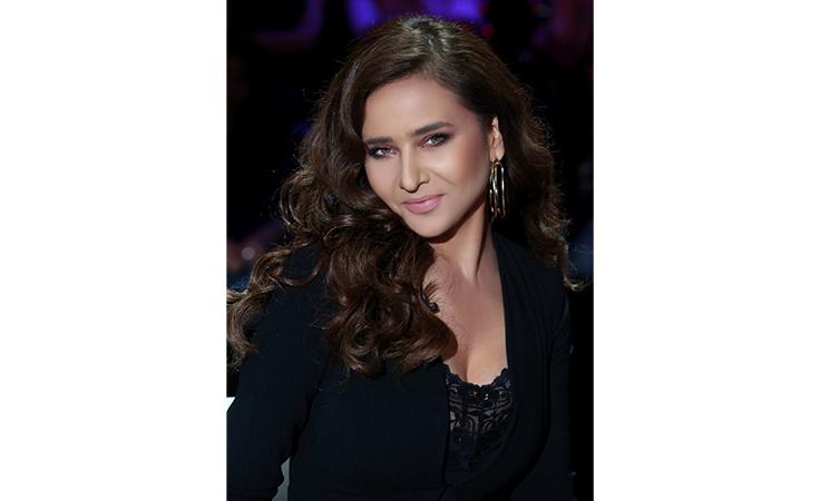 ردّ قاسٍ من سما المصري على «مايوه» نيللي كريم