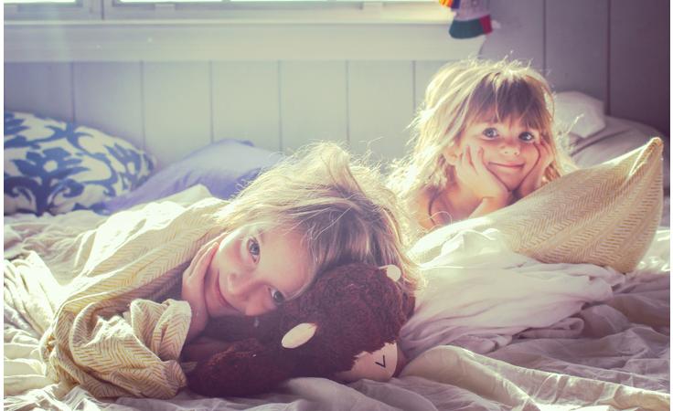 هذه الطرق تجعل صباحك مع طفلك أكثر هدوءاً وأقل توتراً