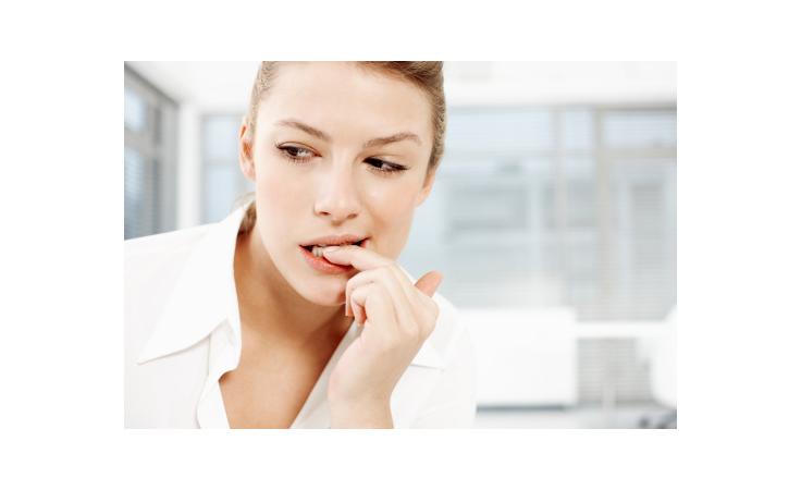 ما هي المشاكل الصحيّة الخطيرة التي تخبركِ بها أظافركِ؟