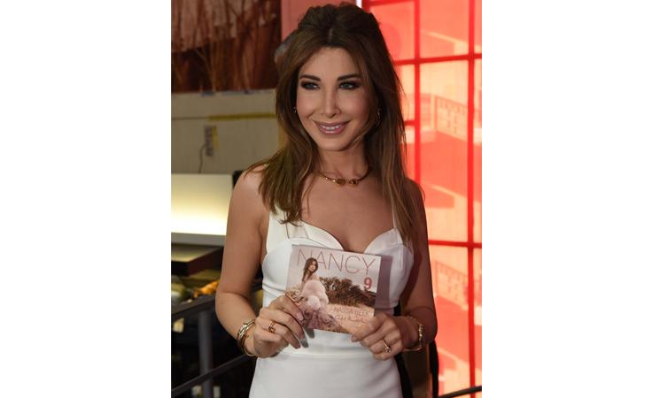 نانسي عجرم توقع ألبومها الجديد في بيروت