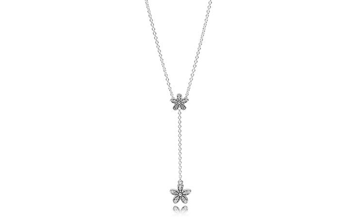 مجوهرات PANDORA أيقونيّة للمرأة الواثقة