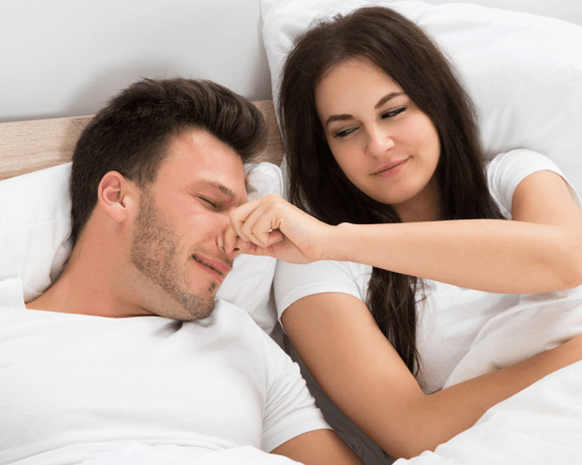 a2657c6cd9419 متى يصبح التعلق بالزوج هوساً يجب معالجته؟!