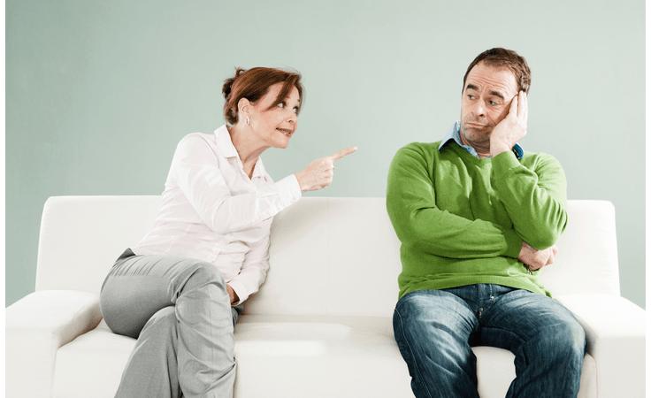 4 صفات تجعل زوجك ينفر منك، فابتعدي عنها!