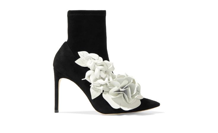 حذاء يجمع الغموض بالأنوثة من صوفيا ويبستر