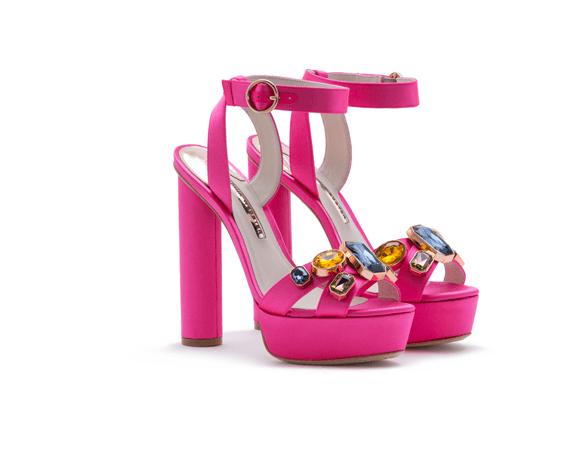 35f71cc3f9ae7 اخترنا لك أجمل 30 حذاءً للموسم المقبل
