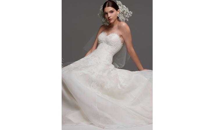 لعروس الخريف: فساتين زفاف مستوحاة من حفلات الزفاف الملكية