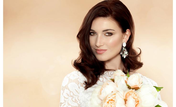 لعروس العيد: هكذا تختارين خبير المكياج الأمثل لزفافك