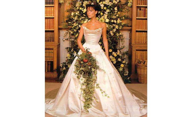 bee70352faef9 نواعم تعرّفك إلى أغلى فساتين الزفاف في العالم