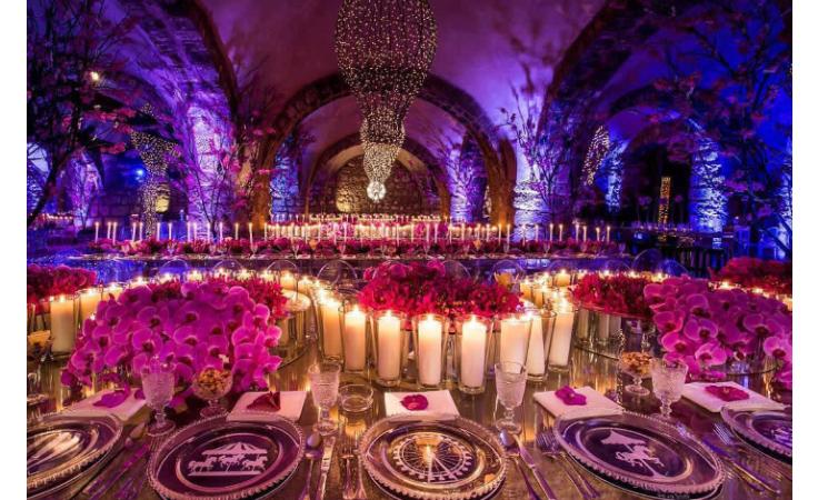 تبحثين عن موضوع متميز لزفافك ؟ تعرّفي إلى سيرك الحب
