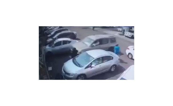 بالفيديو بعد تصدقها بلحظات سيدة سعودية تنجو من الموت بأعجوبة