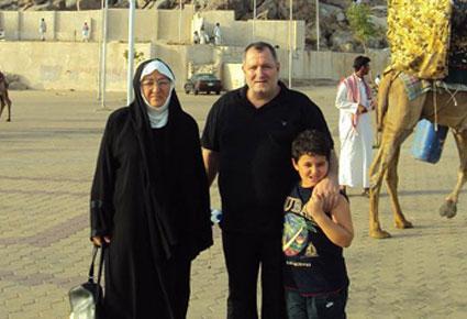 الإعلامي عدنان الكاتب يكشف لنواعم أسرار النجوم