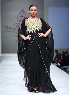 eb4230901 أجمل العبايات في معرض العروس في دبي... أناقة كلاسيكية مبتكرة!