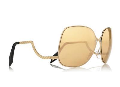 9f7631891 كيف تحصلين على حجم النظارة المناسب لوجهك؟ Victoria Beckham