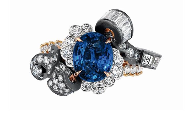 ما علاقة قصر فرساي المذهل بمجوهرات ديور الاستثنائيّة؟