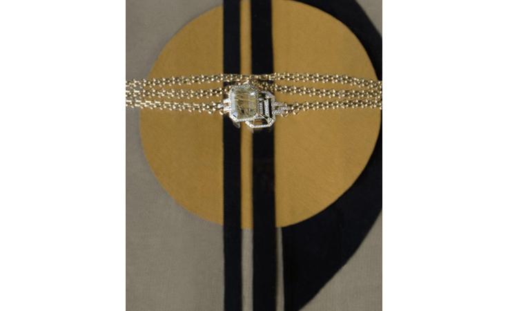 اكتشفي الأناقة العصرية في مجوهرات Gallery Collection من شانيل