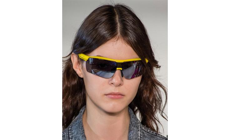 أغرب النظارات الشمسية من مجموعات ربيع 2018