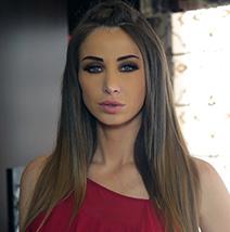 أنابيلا هلال تستعين بملصقات التنظيم من Essmak لأغراض أولادها