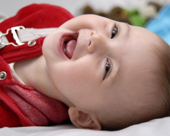 سجل حضورك بأجمل ضحكة طفل Baby-5-22-10-2014-1