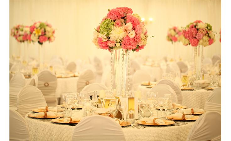 لعروس العيد: 4 نصائح مهمّة لاختيار ألوان زفافك المناسبة