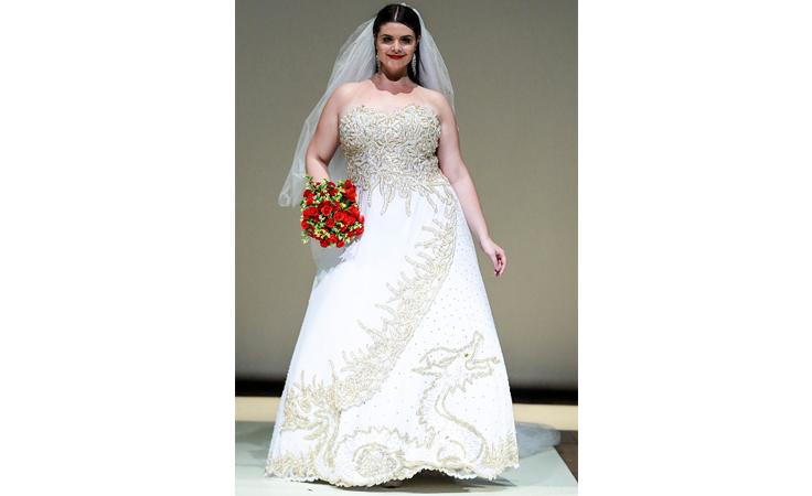 للعرائس صاحبات المقاس الكبير... نصائح لاختيار الفستان الأبيض