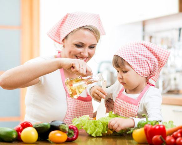 مجداف هنا ميت صور عن مساعدة الابناء في المنزل وترتيب لوالدتهم Comertinsaat Com