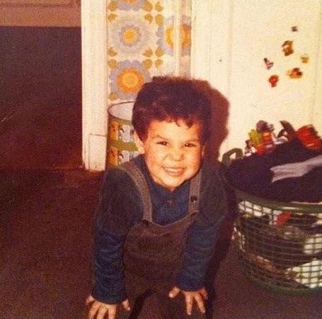 محمد إمام ينشر صورة من طفولته