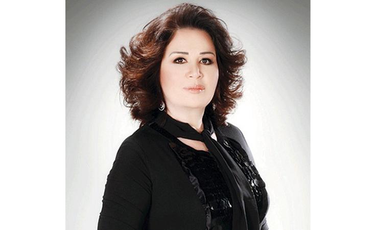 بالفيديو .. إلهام شاهين تثير الجدل: أنا ضد فرض الحجاب