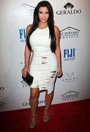 f8863167d الفستان الأبيض القصير للجسم الممتلئ   نواعم