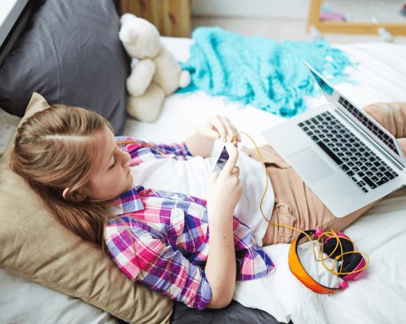 كيف تراقبين استخدام أولادك المراهقين للتكنولوجيا  دون ضغط؟