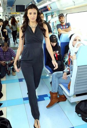 بالصور مترو يتحوّل منصّة أزياء 2013 metro-9-24-01-2013.j